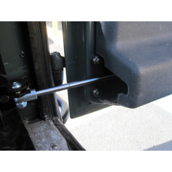 Defender Rear door gas strut post 2002
